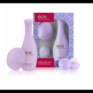 4 eos gift sets all brand new in box